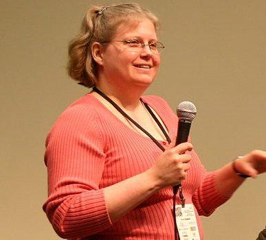 Stephanie Zvan almostdiamonds.blogspot.com/ Desiree Schell www.skepticallyspeaking.com/ Maria Walters skepchick.org Taken at Science Online 2011 Creative Commons Licensed Photo